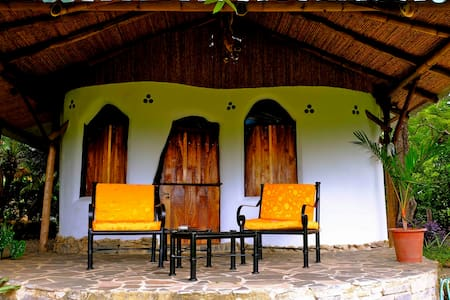 Hobbit Cottage, Bagaces, Guanacaste - Liberia