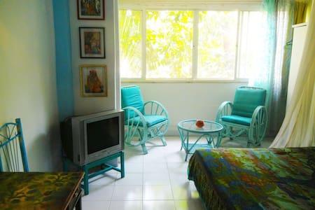 A Colorful Romantic Studio - Pune