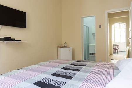 Suíte ampla com cama KING - Rio de Janeiro - Appartamento