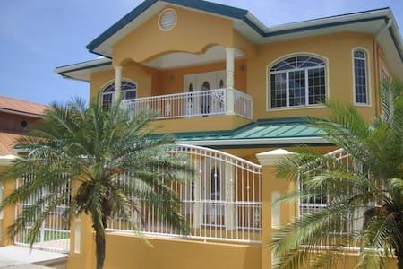 Guest House de Primera en Trinidad - Ev