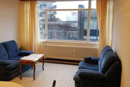 Appartement lumineux à Charleroi Centre Ville - Lakás