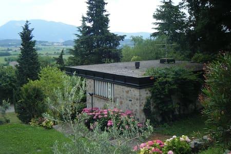Affascinante casa in parco - Costermano