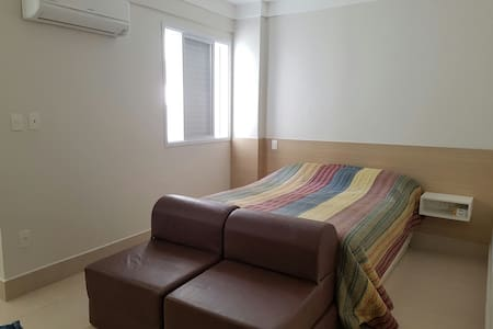 Apto perfeito e reformado para temporada em Santos - Santos - Apartamento