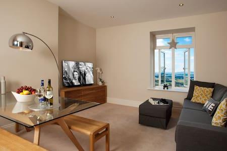 The Views, Luxury Apartment, Malvern, Sleeps 2 - Malvern Wells - Lägenhet