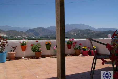 Old town house 200 sqm with private patio - Salobreña