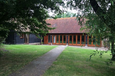 Rural Sussex barn conversion by golf course, - Ditchling - Pis