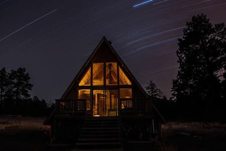A-Frame Mountain View Cabin in a National Forest - Stuga