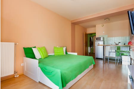 New studio flat in city with wifi - Budapest