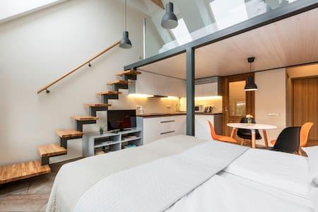 SUNNY & NEW apartment in the Kaunas center - Byt