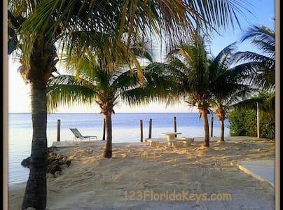 Florida Keys Vacation Cottage - Cabin