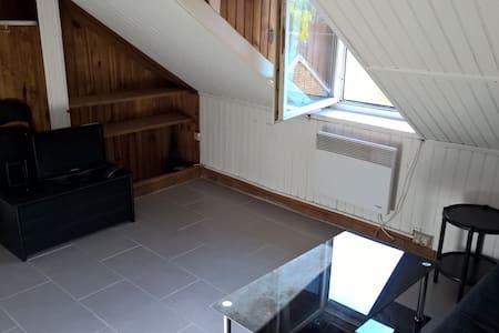 Studio meublé proximité plage - Lejlighed