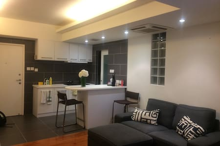 ★ Large 1BR in the Centre of Hong Kong ★ - Hong Kong - Apartment