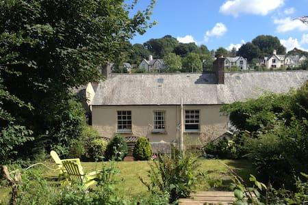 Cosy, Welcoming Tavistock Town House by The Moor - Tavistock - Rumah