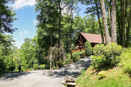 Calming and Secluded Rustic-Luxury Cabin - Banner Elk