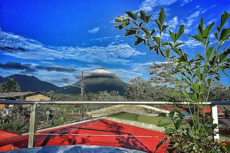 Comfortable & Cozy House / Volcano View-A/C-Wi-Fi - La Fortuna - Casa