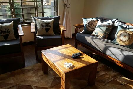 Entire 2 bdrm apt in Kansanga - Kampala - Appartamento
