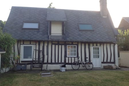 Maison normande avec jardin et BBQ - Haus