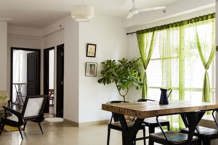 Tasteful vintage apartment - Noida
