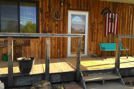 Stunning Bunkhouse 2BR Cabin - Blanding - Zomerhuis/Cottage