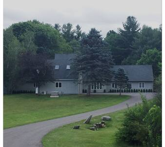 4Br house with heated pool in Salisbury,CT - Ház
