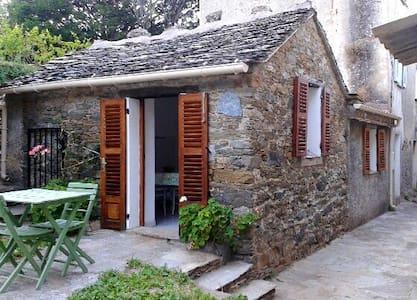 Petite maison au coeur du Cap Corse - Wohnung