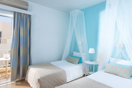 Modern double room in Malia - Malia - Bed & Breakfast