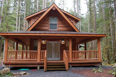 Beautiful Log Cabin near Mt. Baker. 2 Bd/1.5 Bath - Cabin
