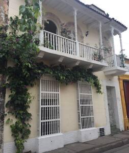Casa de Guerrero -Getsemani´s Heart - Ház