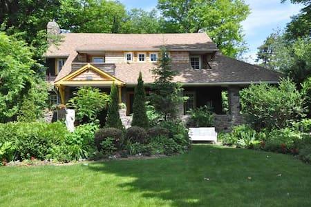 7 Bedroom Cottage Rental - Hus