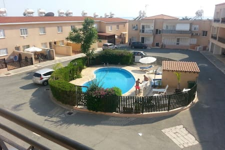 Spacious two bedroom apartment at Popular Cottage - Pis