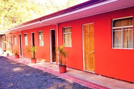 Hospedaje Ruta del Café - San Pablo de León Cortés
