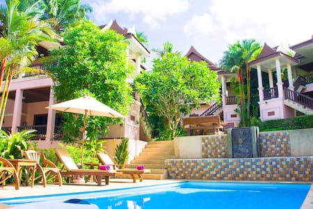 Thai style resort with pool - aonang - Bed & Breakfast