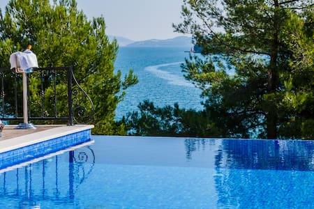 Idyllic front line villa near Trogir - Marina