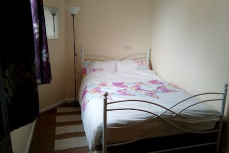 Self contained flat - Colwyn Bay - Leilighet