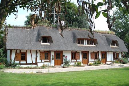 chaumière typique normande - Maison