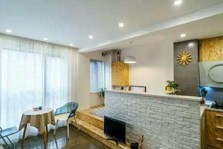 江滩中城公寓 一元路汉口老租界区 Riverside New Flat - Apartamento