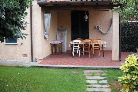 Villa Giada - 2 bedrooms - Forte dei Marmi