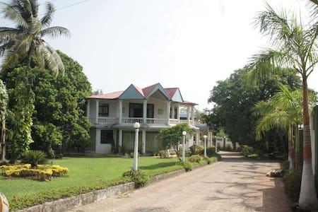 Best Villa in Karjat - Ház