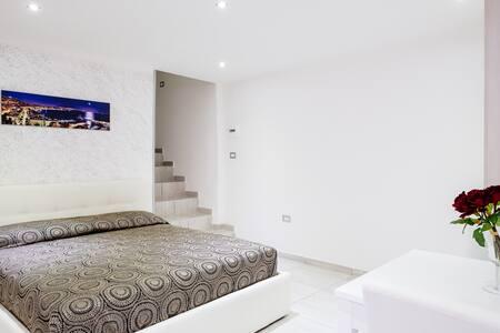 TOLEDO HOUSE CASA VACANZA - Неаполь - Дом