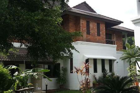 Private Big Townhouse 3 Bedroom - Rangsit - Townhouse