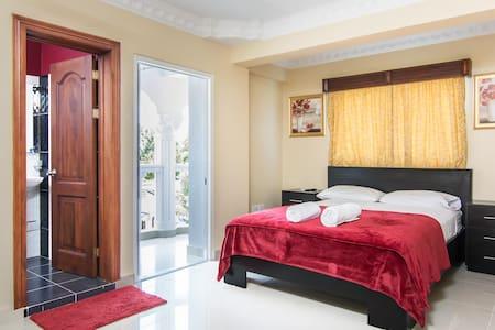 Suite 204 Balcony Suite - Loft