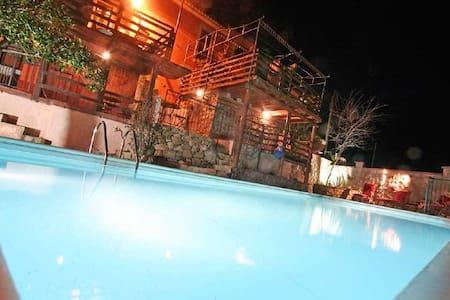 Castello Rosso No. II - mit Pool + Sauna + Garten - Rodì - Wohnung
