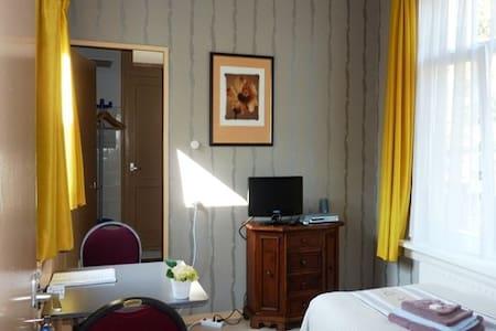 Kamer met hotelbed, wifi, k3 - Leeuwarden