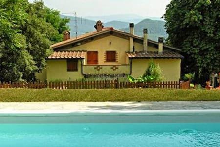 Comoda villetta con piscina, posizione tranquilla - Corella - Hus