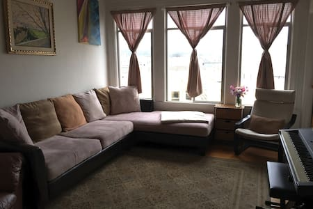 Perfect 1BR in heart of the Marina