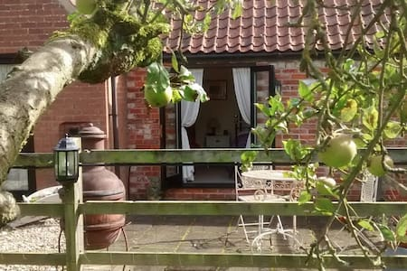 'Pippins' - Delightful Cosy Cottage near Lincoln - Lincoln