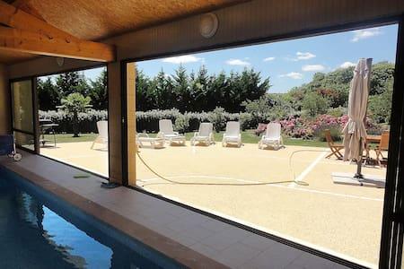 Villa le Pesquier, piscine intérieure chauffée - Saint-Crépin-et-Carlucet - Villa
