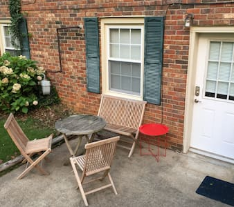 Heart of Clarksville on 2 acres - Wohnung