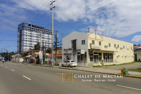 AIRPORT HOTEL-REMIAN-MACTAN-CEBU - Apartament