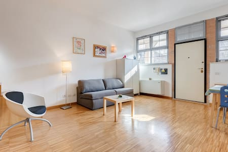 Loft. Libetta 1 - Roma - Apartment